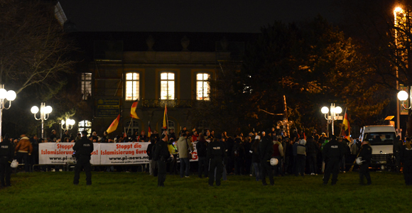 Die Bogida Kundgebung (Foto: Max Bassin)