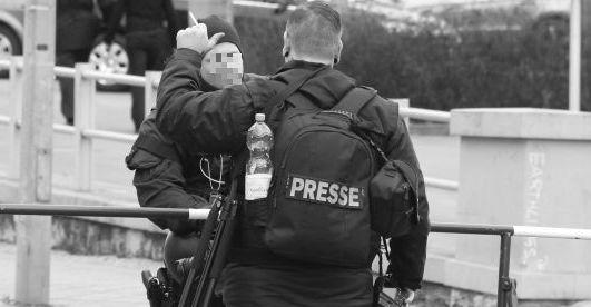 Immer wieder versuchen Neonazis Journalisten einzuschüchtern oder geben sich als Pressevertreter aus
