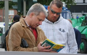"""Parteigründer Christian Worch beim """"TddZ"""" Anfang Juni 2012 in Hamburg (F: Kai Budler)"""