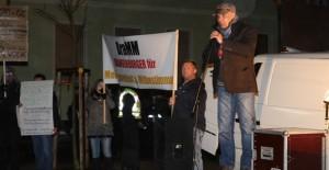 Als Organisator der Proteste in Brandenburg gilt die Rechtsaußen-Partei Die Republikaner. Rechts im Bild: Landeschef Heiko Müller. Foto: Anton Lommon