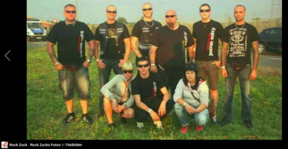Harald Frank (3. v. l. o.) und andere (Screenshot fb.com)