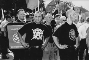 Thorsten de Vries 1998 bei einem Aufmarsch zu Ehren von Rudof Hess in Roskilde, copyright S.Orge/C.P.