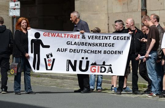 """Neonazis von """"Die Rechte"""" treten auch unter dem Namen """"Nügida"""" auf       © Timo Müller"""