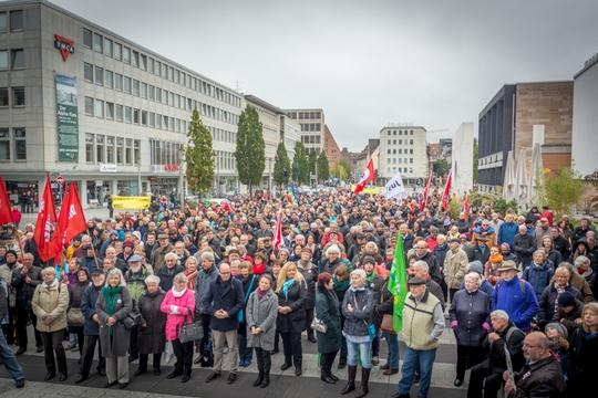 Hunderte demonstrierten am Samstag gegen Rechts © Thomas Witzgall