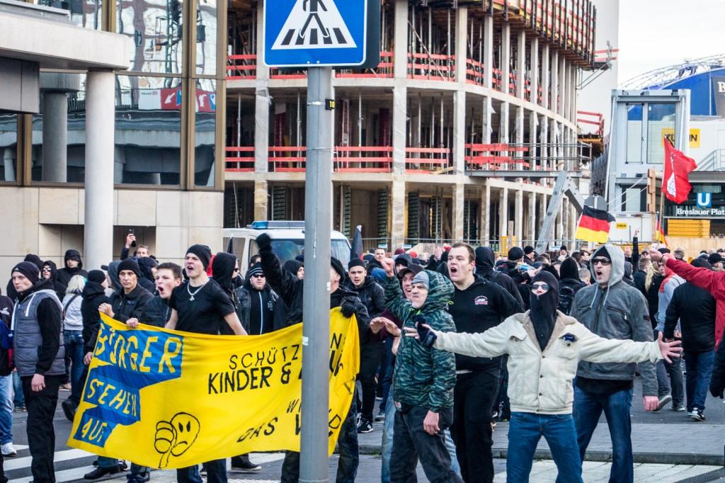 Der rechtsextreme Mob © Danny Marx