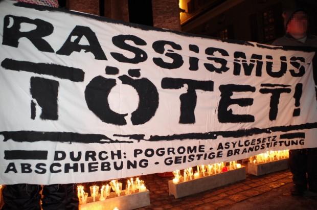 """Lichterzug: """"Hand in Hand für Menschlichkeit"""" in Obergünzburg"""