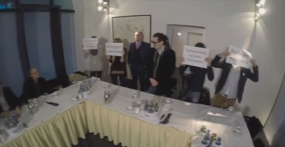 """""""Aktiv gegen Rassismus"""" übernimmt AfD Pressekonferenz in Hannover"""
