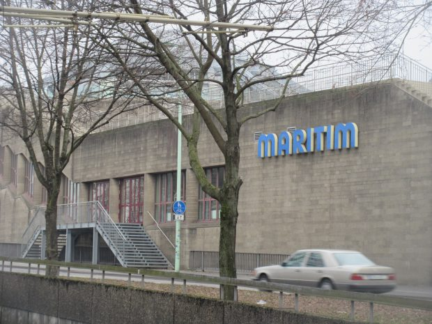 Alternative für Deutschland: Mahnwache in Köln gegen AfD-Parteitag im Maritim Hotel