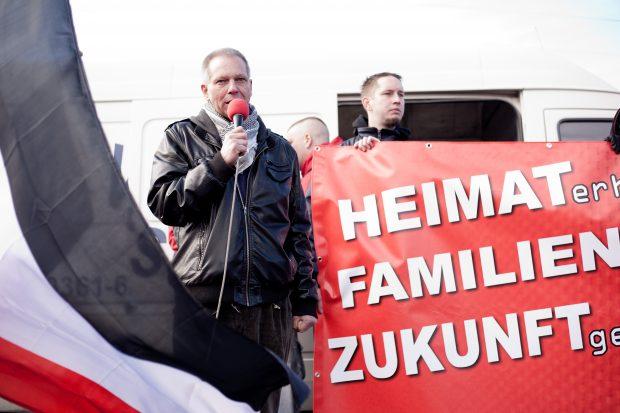 100 Neonazis, 2000 Gegendemonstranten in Leipzig