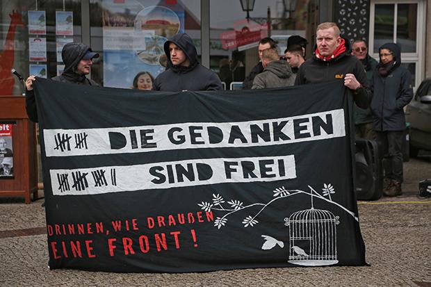 Demo für den rechten Opfermythos