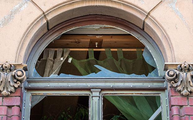Rechtsextremismus: Anschlag auf Wohnung von Linken-Politikerin