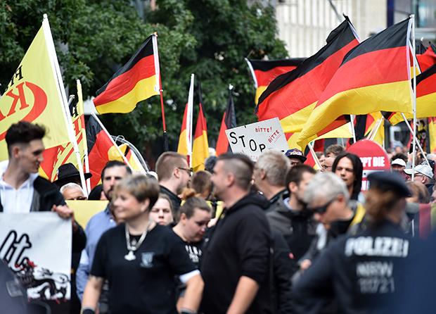 Hooligans: Neustart für Neonazi-Bewegung?