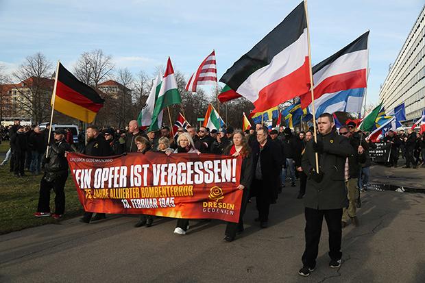 Wie die NPD den Dresdner Opfermythos am Leben hält
