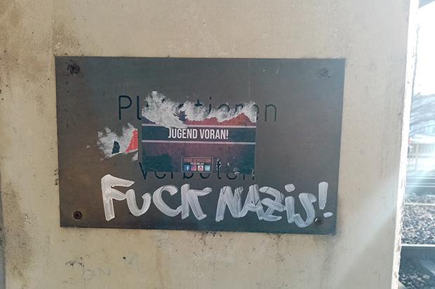 Rechtsextremismus: Propaganda auf dem Parkdeck