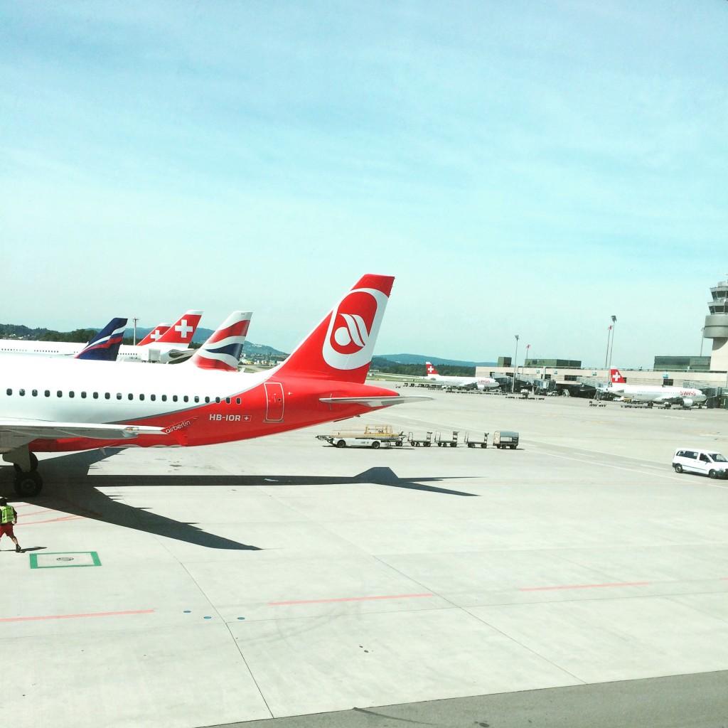 Flugzeuge am Flughafen Zuerich
