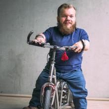 Michel Arriens auf seinem Roller