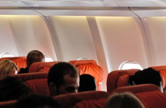 So bleibt der Flugzeugsitz neben Ihnen immer frei