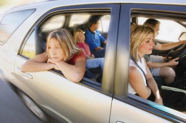 So überleben Sie eine Autofahrt mit Kindern