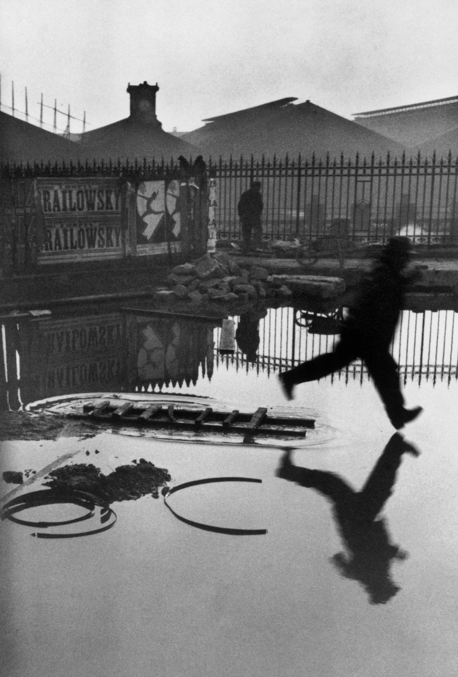 08 Henri-Cartier-Bresson jpgHenri Cartier Bresson Puddle