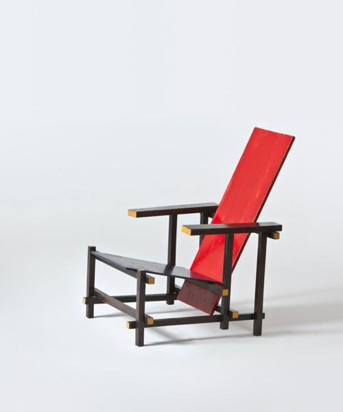 Gerrit rietveld im vitra design museum heiter bis gl cklich - Rot blauer stuhl ...