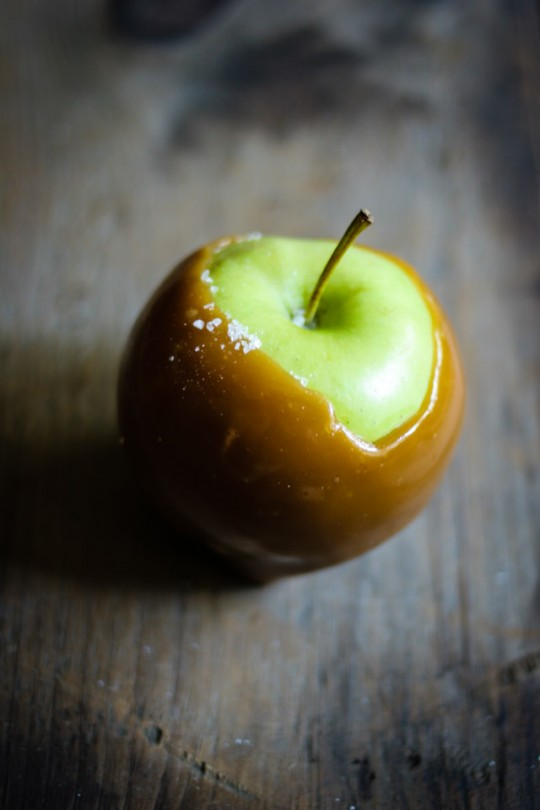 Single Salted Caramel Apple http://fortheloveofthesouth.com/2013/10/14/finally-feeling-like-fall/