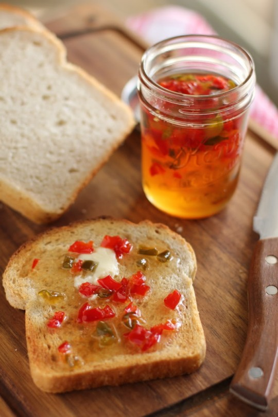 Bright Pepper Jelly http://willowbirdbaking.com/2011/11/30/bright-pepper-jelly-and-welcome-to-the-new-willow-bird-baking/