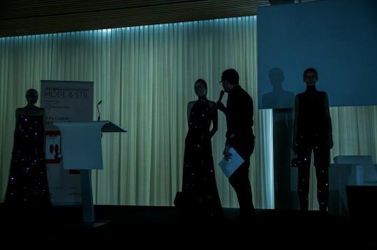 Kleid der Zukunft_AKRIS